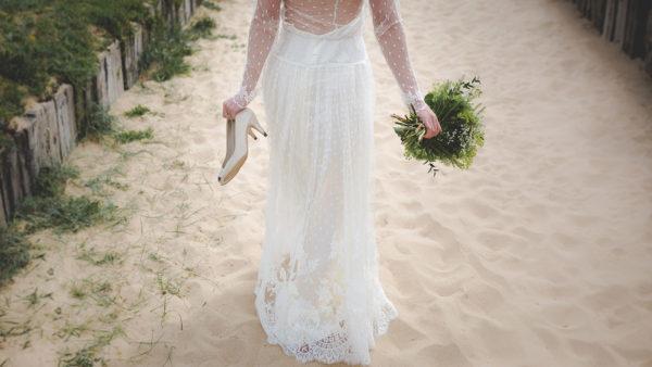 ビーチと花嫁
