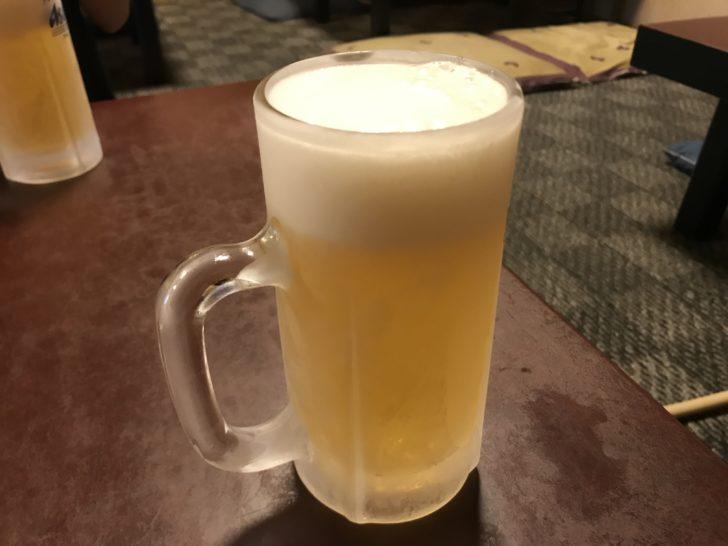 金泉苑の冷えたジョッキビール